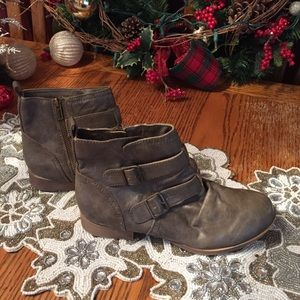 ROXY Slouch Ankle Boot